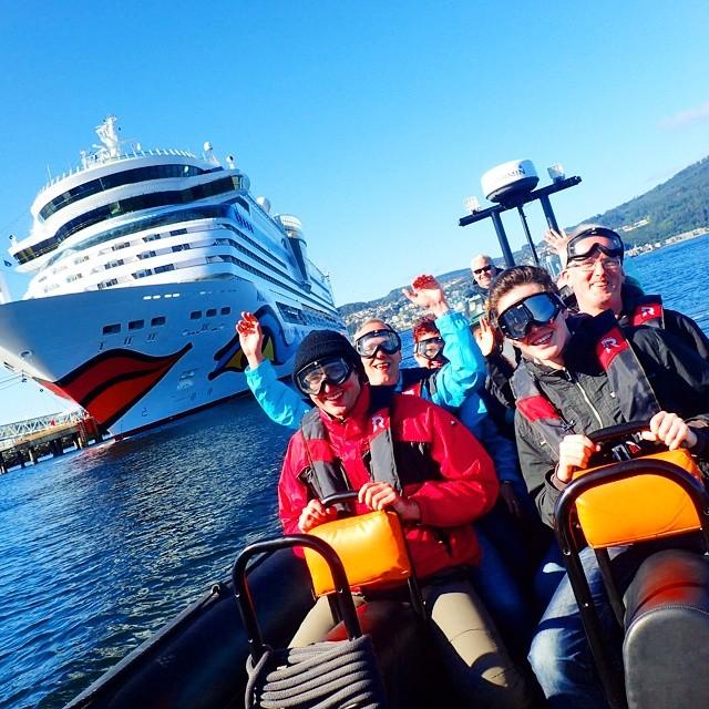 Lufter cruisepassasjerer. #rhib #rib #speedboats #rafting #fjordrafting #havraft @Fjordrafting #lovemyjob #exploretrondelag #opplevtrøndelag #norway #boat